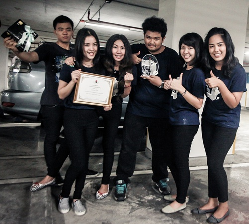 คว้ารางวัลชนะเลิศ จากโครงการประกวดหนังสั้น สร้างสรรค์สังคม ส่งเสริมภาพลักษณ์ ของศูนย์ดวงตาสภากาชาดไทย ประจำปี 2556