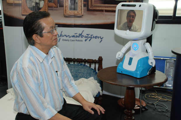 ซีที เอเชีย โรโบติกส์ เปิดตัวหุ่นยนต์ดินสอรุ่น 2 เพิ่มฟังก์ชั่นตอบสนองการบริการผู้สูงอายุและผู้ป่วย